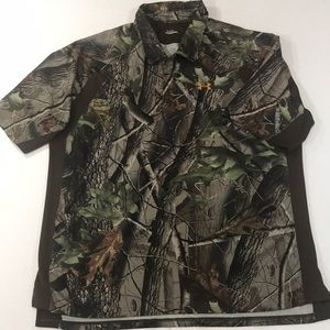 EUC Under Armour Realtree Camouflaged Shirt